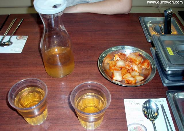 Té para beber en un Sinseon Seollongtan