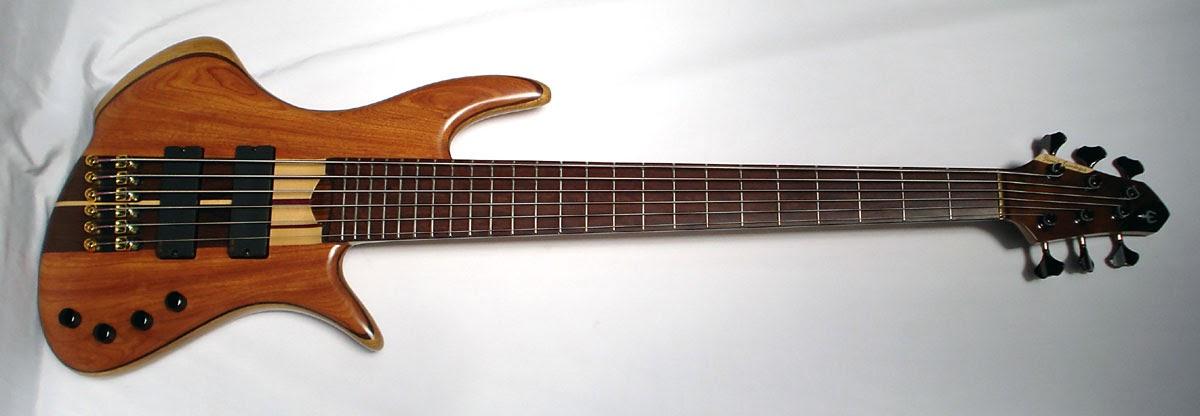 Daniel fern ndez luthier bajo 6 cuerdas robado y recuperado for Que es un luthier