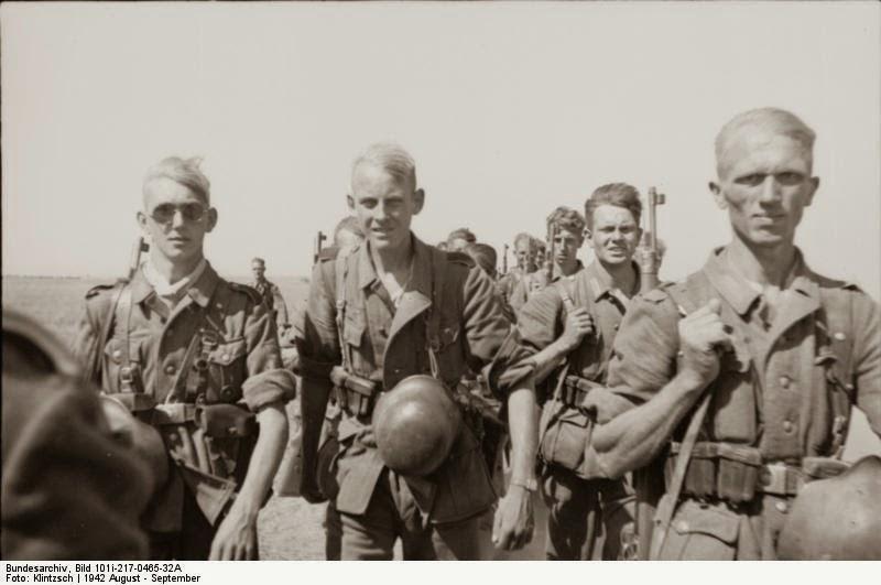 Soldados de la 6ta armada, marchando a Stalingrado, 1942
