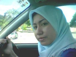 Malay Women – Awek tudung sopan