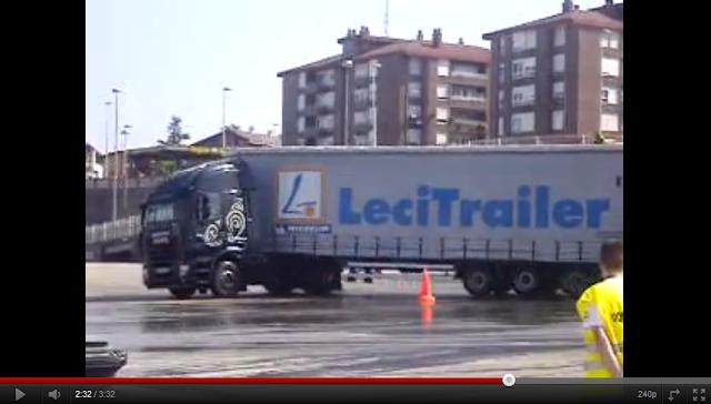 videos de camiones trailer haciendo trompos