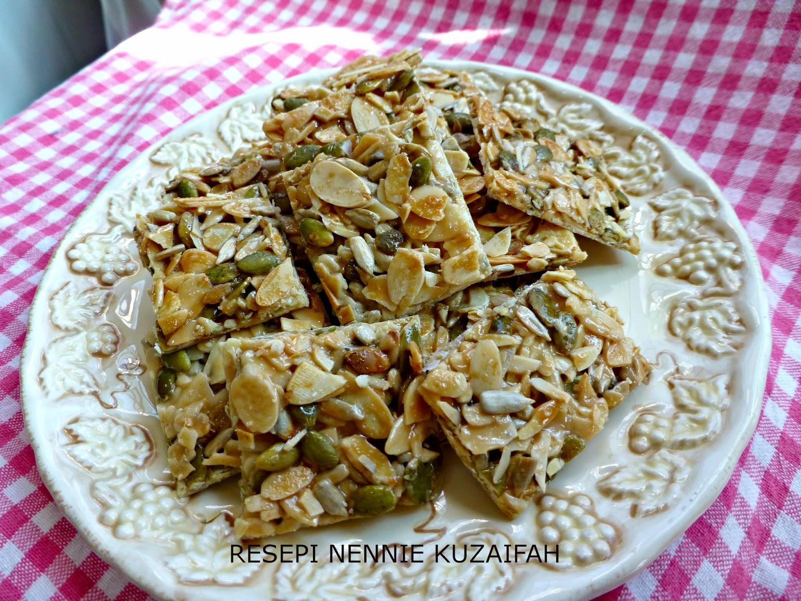 RESEPI NENNIE KHUZAIFAH: Florentine cookies