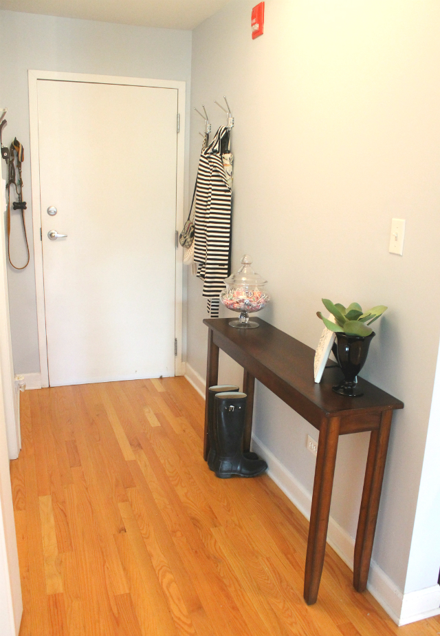 Foyer Hallway Questions : What is the table that you use in your entrance called