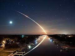 Lançamento do ônibus espacial Endeavour