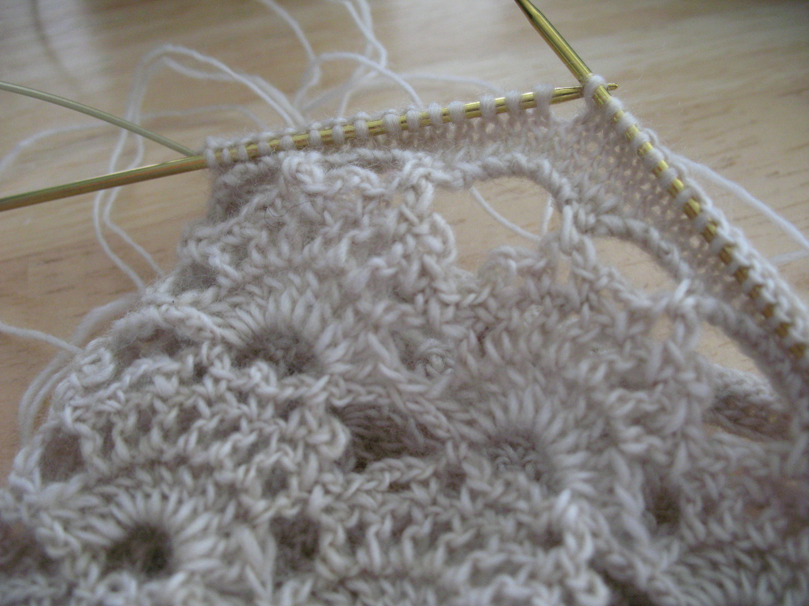 Croshay Knitting : figknits: NaCroMo Day 31: Crochet Loves Knitting*
