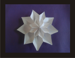 Guirnalda de flores de papel