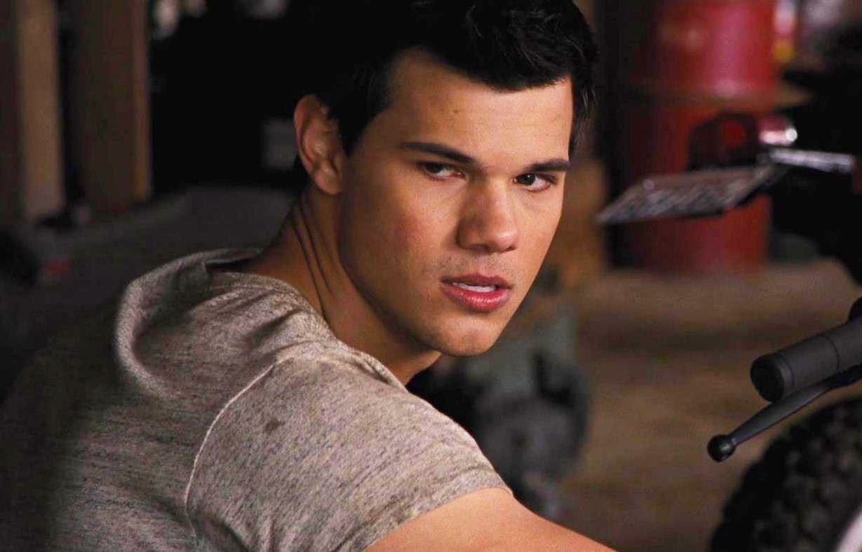 Official Taylor Lautner Fan Page Oldnew Screen Caps Of Jacob Black