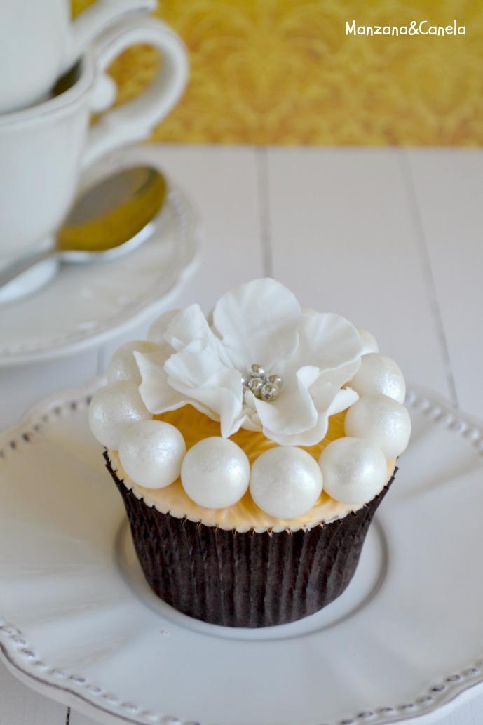 Mirror Glaze Cupcake Cake