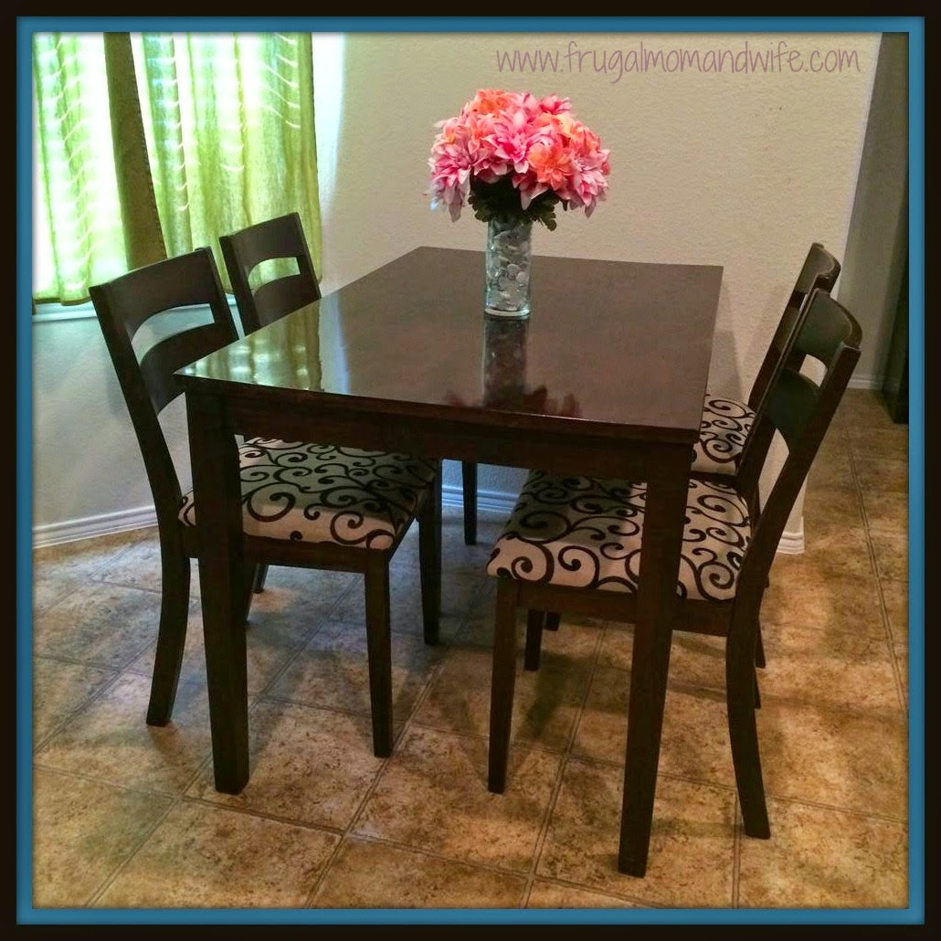 http://www.frugalmomandwife.com/2014/04/how-to-reupholster-kitchen-dining-room.html