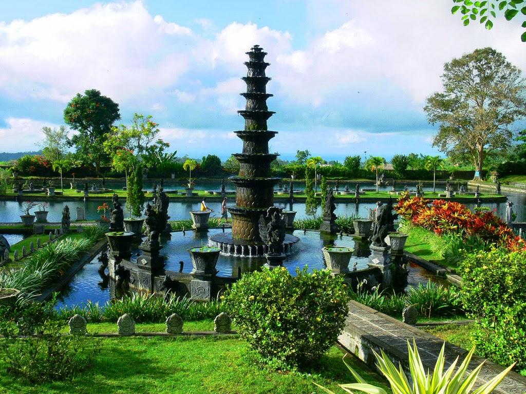Tirta Gangga, Sebuah Taman Air Kerajaan