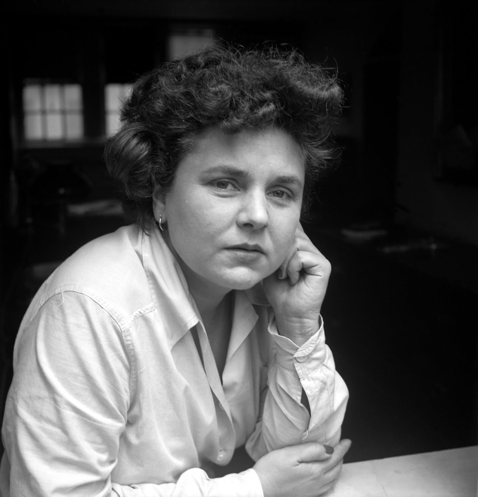"""the literary career and achievements of elizabeth bishop """"the closet of breath: elizabeth bishop, her body and her art,"""" in twentieth century literature: a scholarly and critical journal, vol 38, no 2, summer, 1992, pp 152-75 [ in the following essay, lombardi examines the effect of bishop's numerous illnesses on her poetry."""
