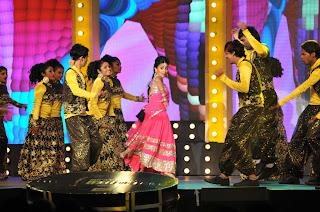 shriya stage dance at mirchi music ads(8).JPG