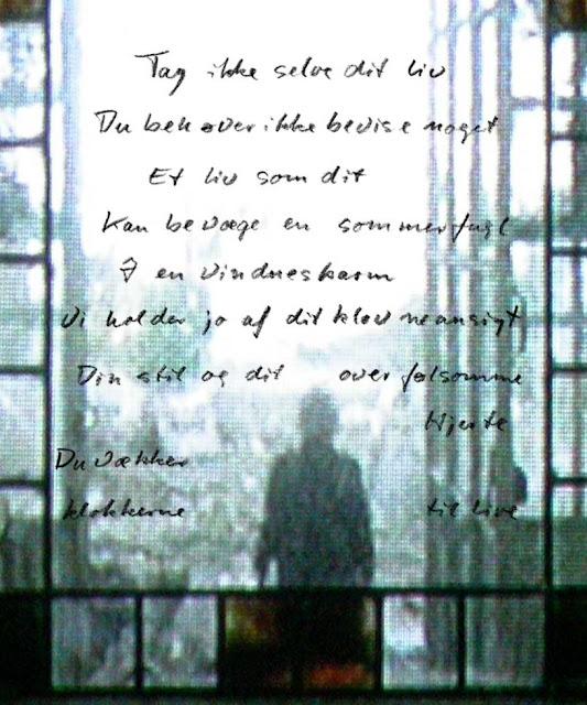 Morti Vizki: Tag ikke selve dit liv - Du behøver ikke at bevise noget. Et liv som dit kan bevæge en sommerfugl i en vindueskarm. Vi holder jo af dit klovneansigt, din stil og dit overfølsomme hjerte. Du vækker klokkerne til live.