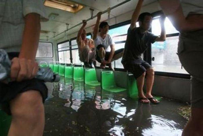 Онлайн девушек прижали в транспорте фото 147-340