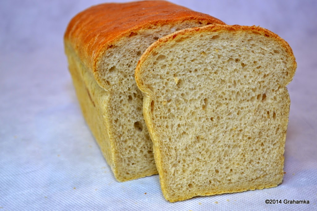 Chleb z kromką.