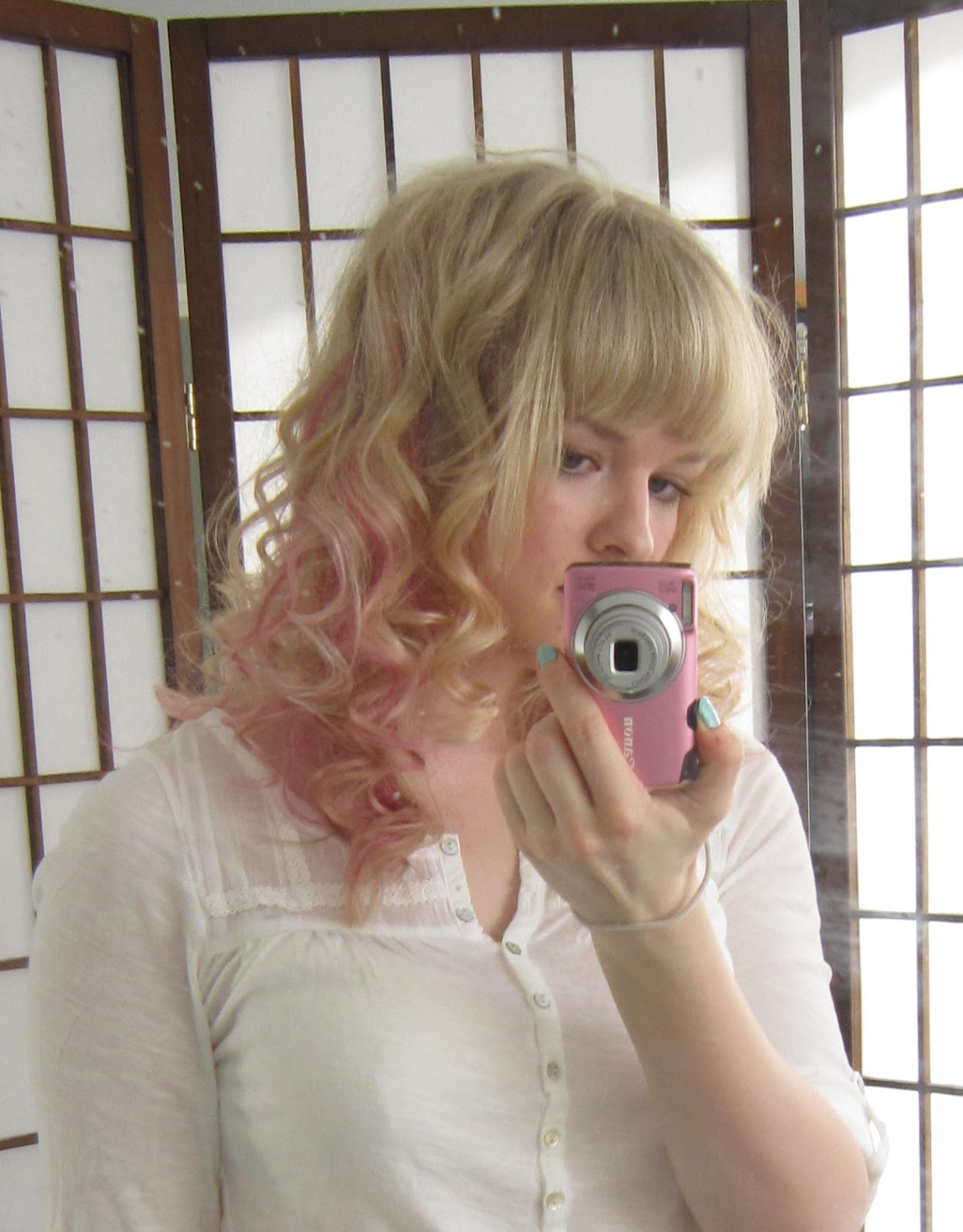 Here with super fast curling (5 minutes?) and super fast teasing. I ...