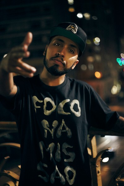Rashid apresenta nova música em show no Sesc Pinheiros