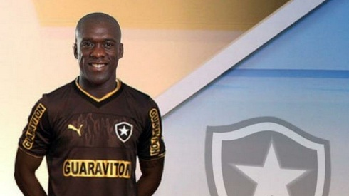 seedorf com a camisa do botafogo