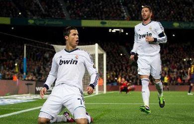 Ronaldo celebra gol contra Barça