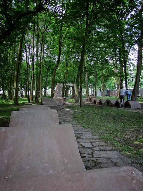 Ogród Zmysłów - siedziska strukturalne