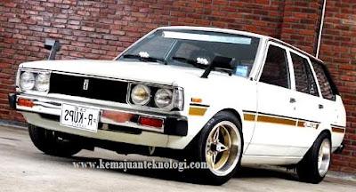 Modifikasi Mobil Toyota Corolla