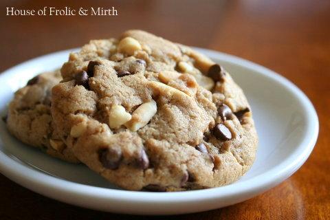 Chunky+Peanut,+chocolate,+and+cinnamon+cookies-001.jpg
