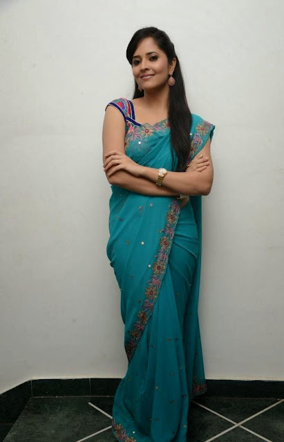 Telugu Anchor Anasuya Picture Gallery in Saree at Paddanandi Premalo Mari Movie Audio Launch 12.JPG