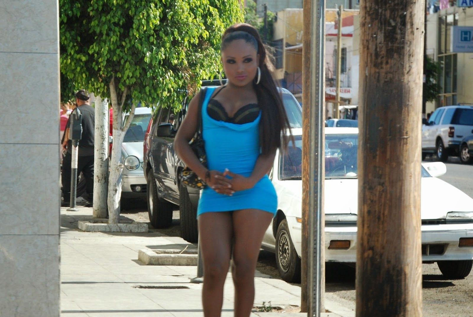 prostitutas hombres vestidos de prosti