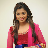 Gorgeous hot Sanchita shetty photos in ethnic red salwar kameez