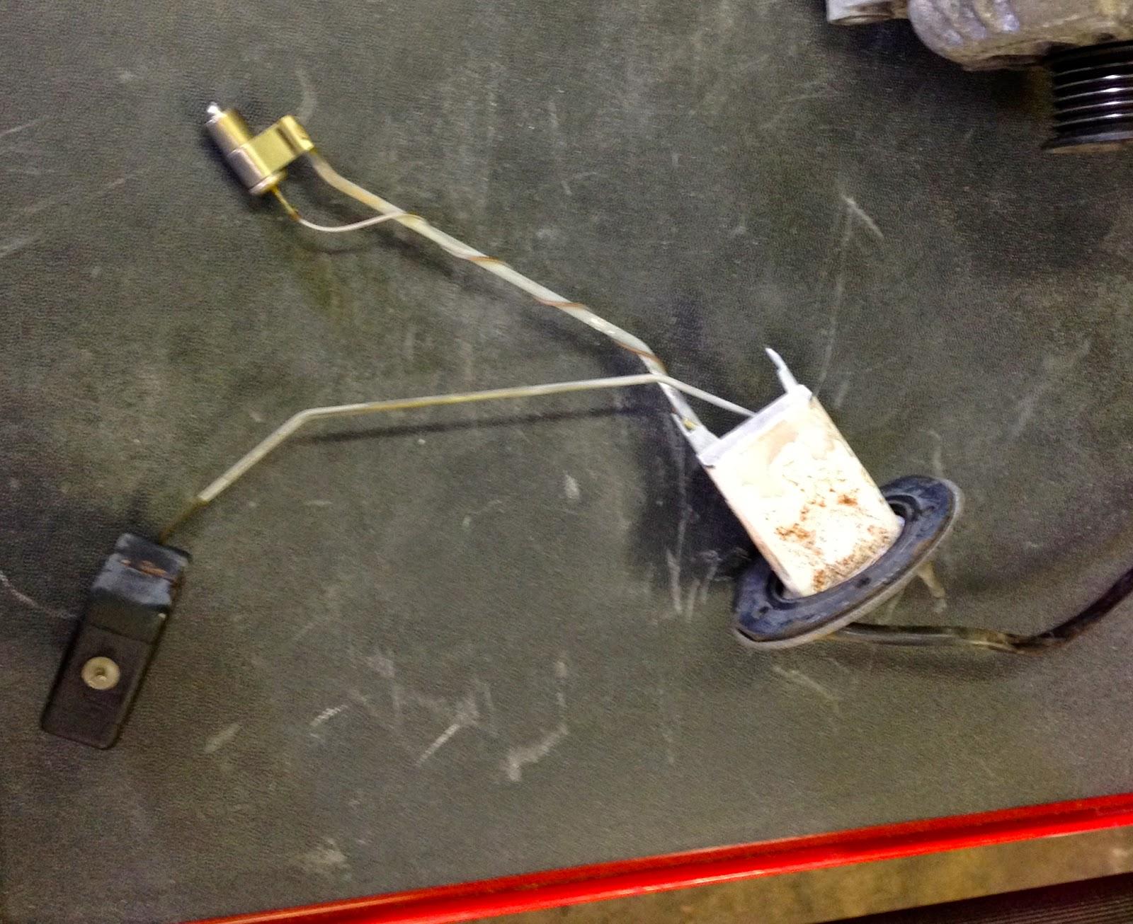 the rusting sun: repairing your ae86 fuel gauge