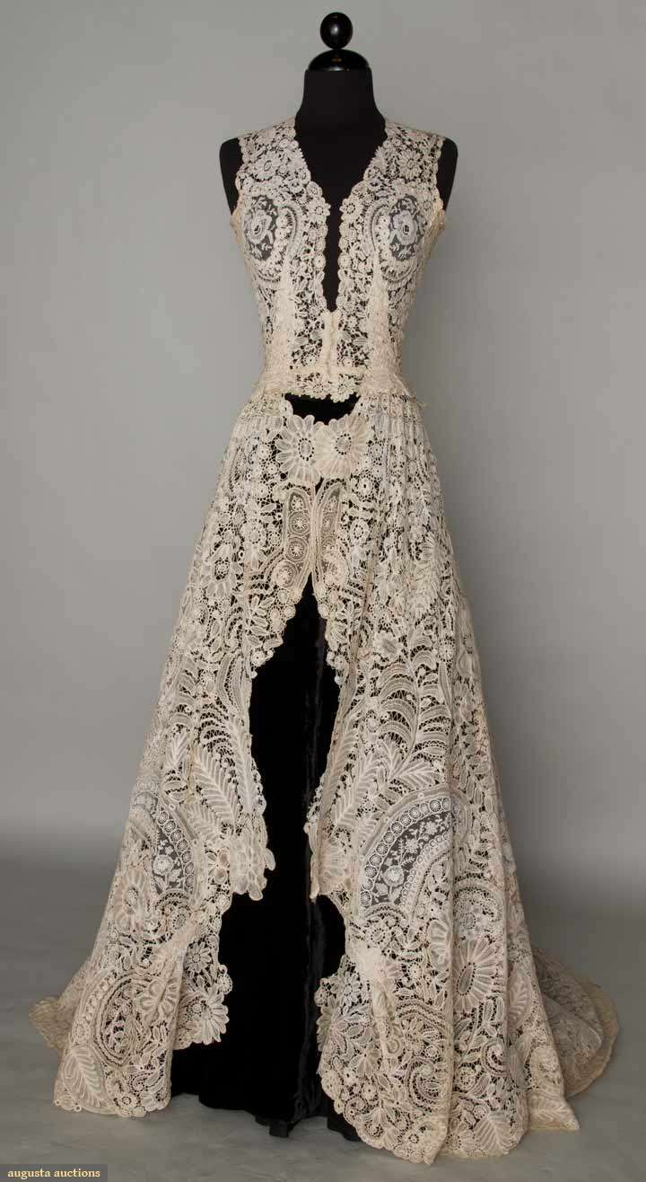I heart wedding dress vintage lace wedding dress for Vintage lace wedding dress pinterest