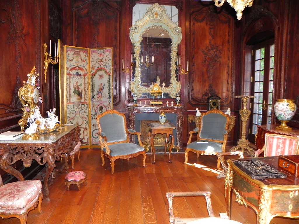 Any serious collector or connoisseur of 18th Century French furniture has  made the mandatory pilgrimage to the legendary family owned antiquaire. A Connoisseur s Quest  Important 18th Century French Chairs at New