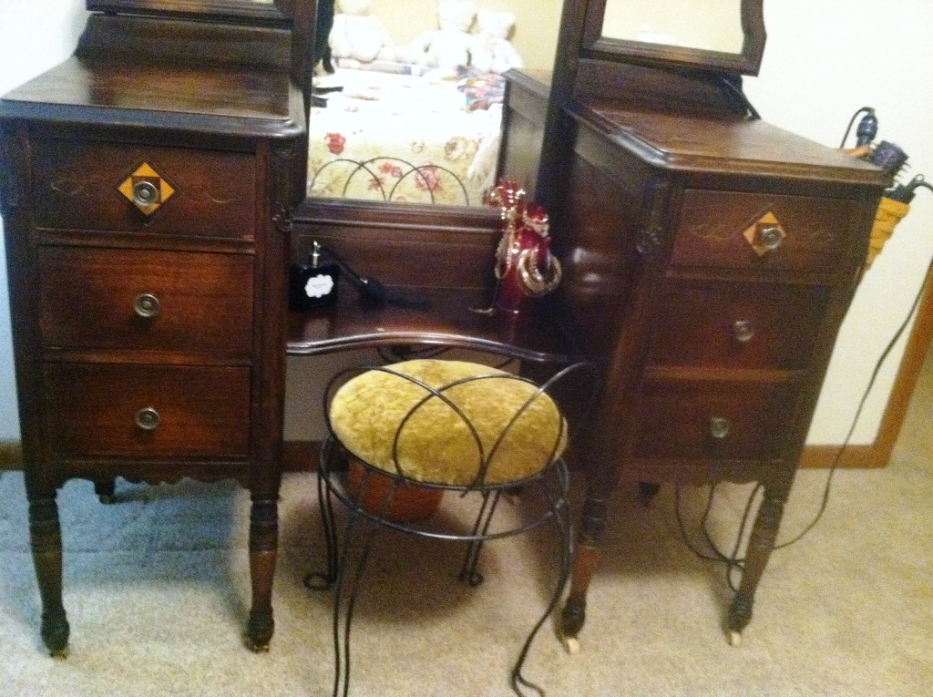 live to ride love to knit antique vanity