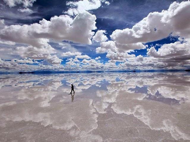 Salar de Uyuni (Bolivia), il più grande specchio del mondo.