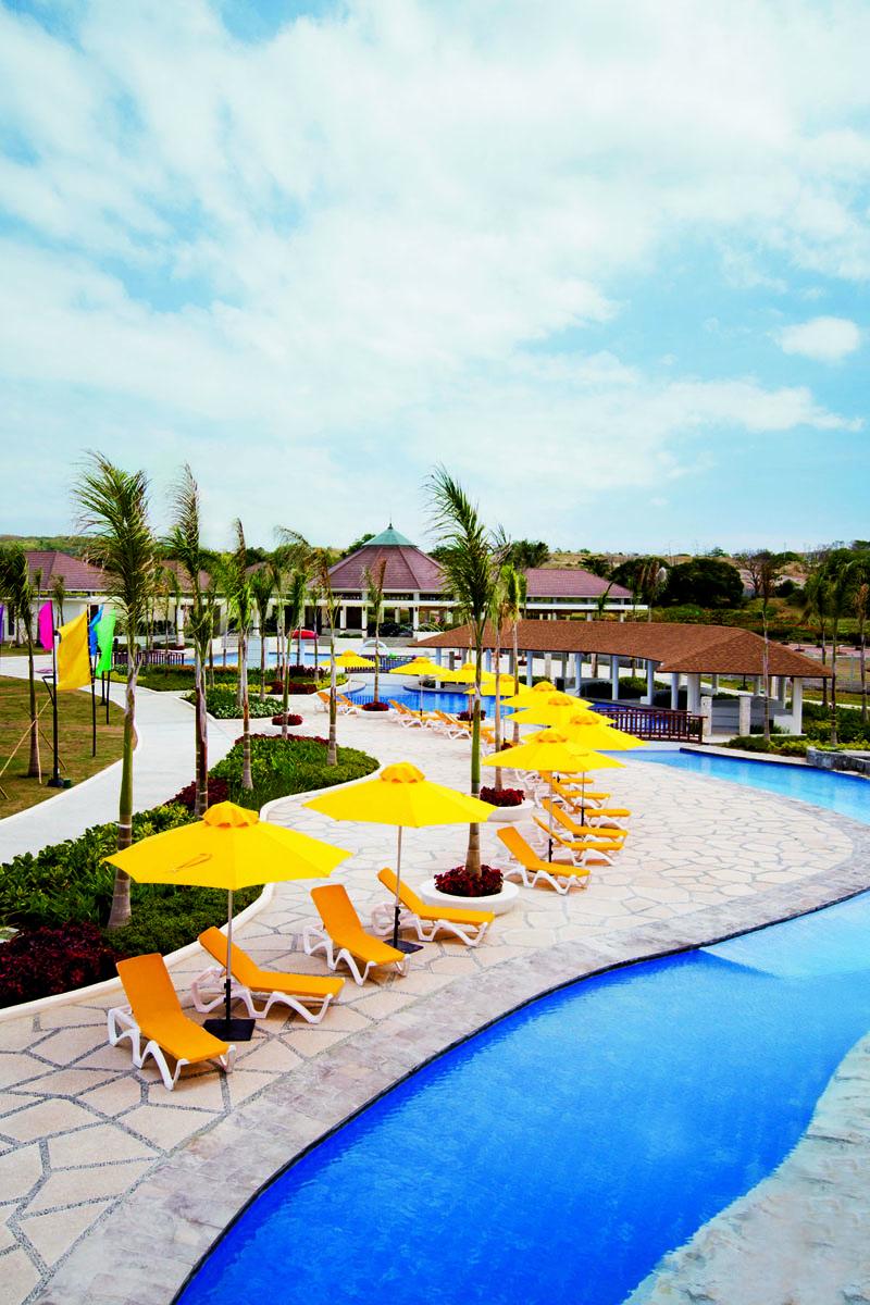 Lakwatsera Lovers New Aquaria Resort And Water Park In Playa Calatagan