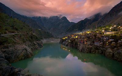 Pueblo de Dassu en Gilgit-Baltistan, Pakistan.