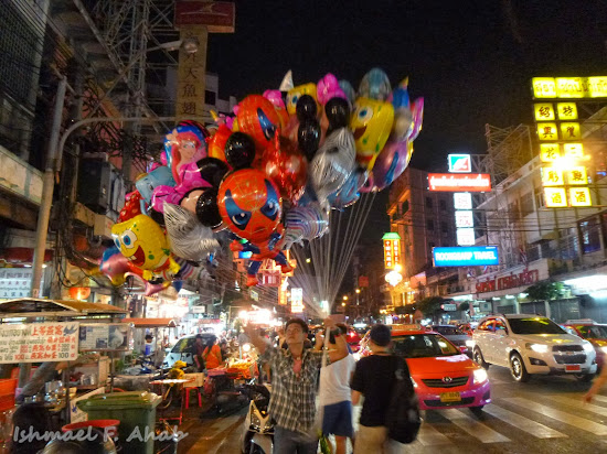 Balloon for sale along Yaowarat Road