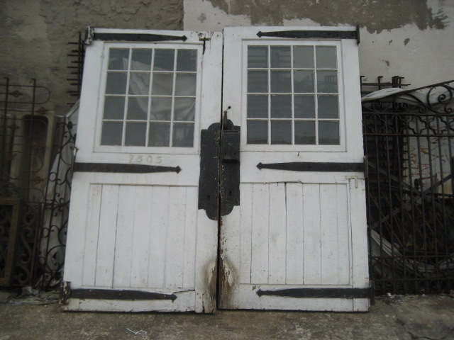 1900's carriage house doors - Frankly Speaking Modern Vintage Blogspot: We Love Vintage Doors!