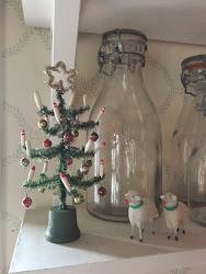 Julpyntat på kökshyllan🌲