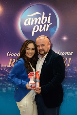 2. Harith Iskander and Dr. Jezamine Lim with the new Ambi Pur MoodTherapy collection