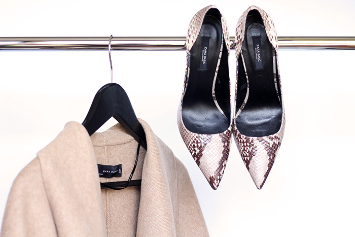 New in / Belted Coat and Printed Court Shoes