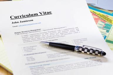 Apa Yang Harus Disertakan Dalam Curriculum Vitae CV