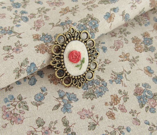Floral brooches, брошки