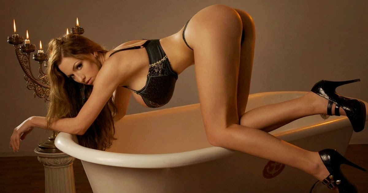 BIG BOOBS JORDAN CARVER: Jordan Carver Big Boobs Bra and Panty in Bath Tub