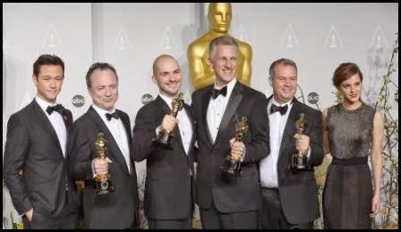 Joseph Gordon-Levitt y Emma Watson entregaron el premio a los responsables de los efectos de Gravity