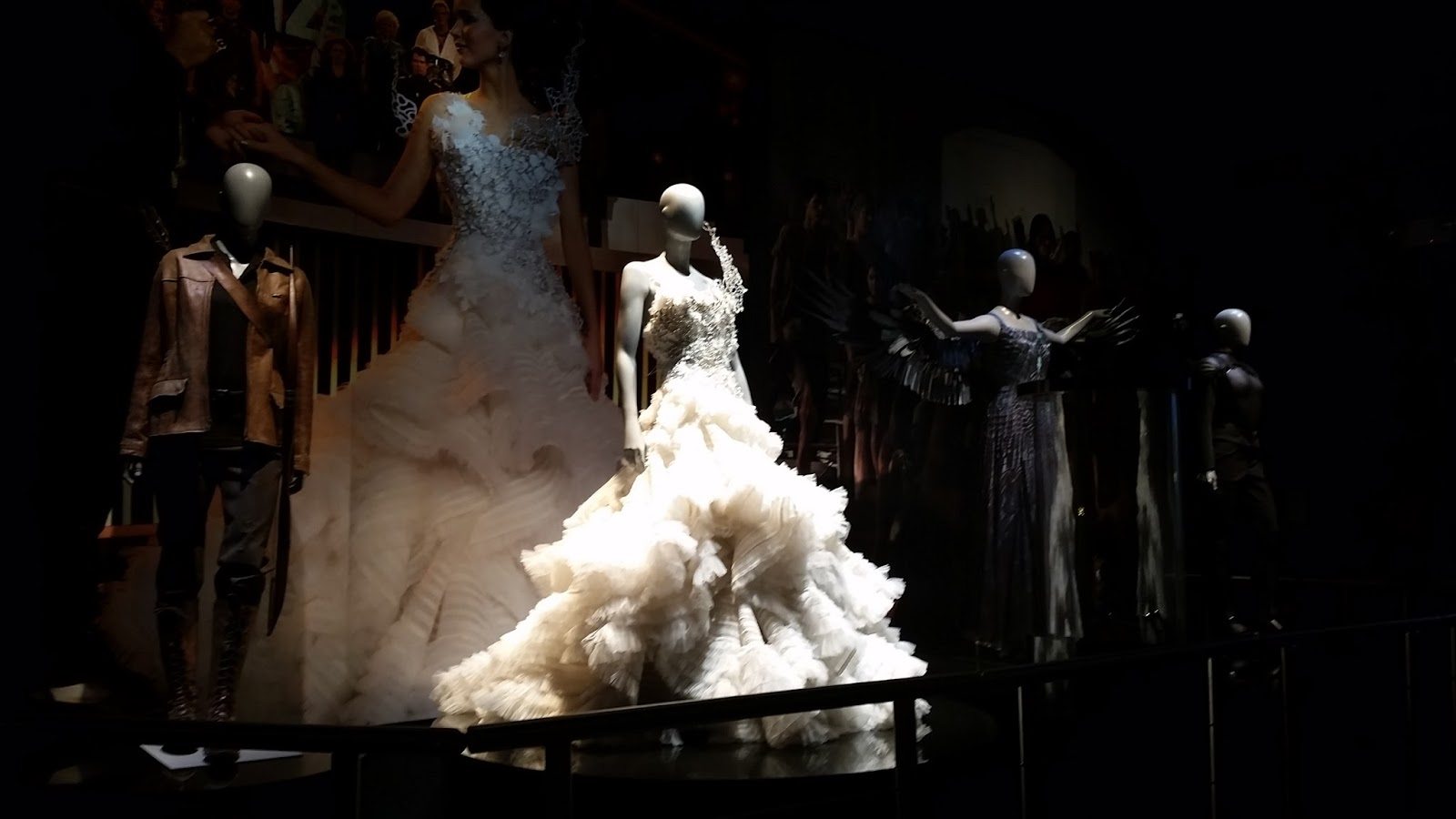 The hunger games catching fire katniss wedding dress designer - The Hunger Games Catching Fire Katniss Wedding Dress Designer 30