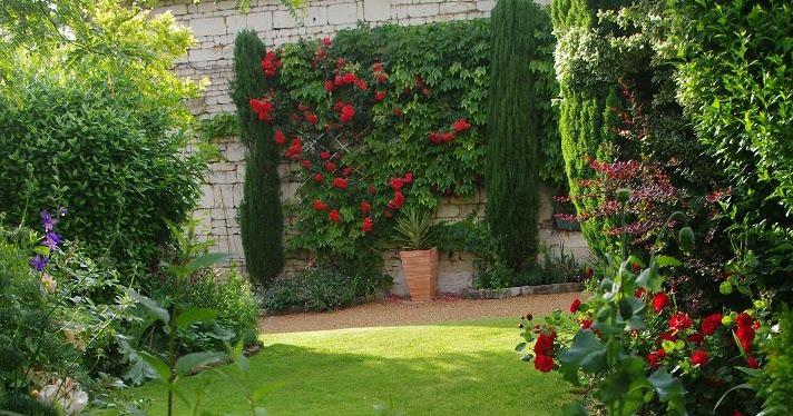 Le jardin des couronnes le rouge au jardin for Au jardin de l infante samain