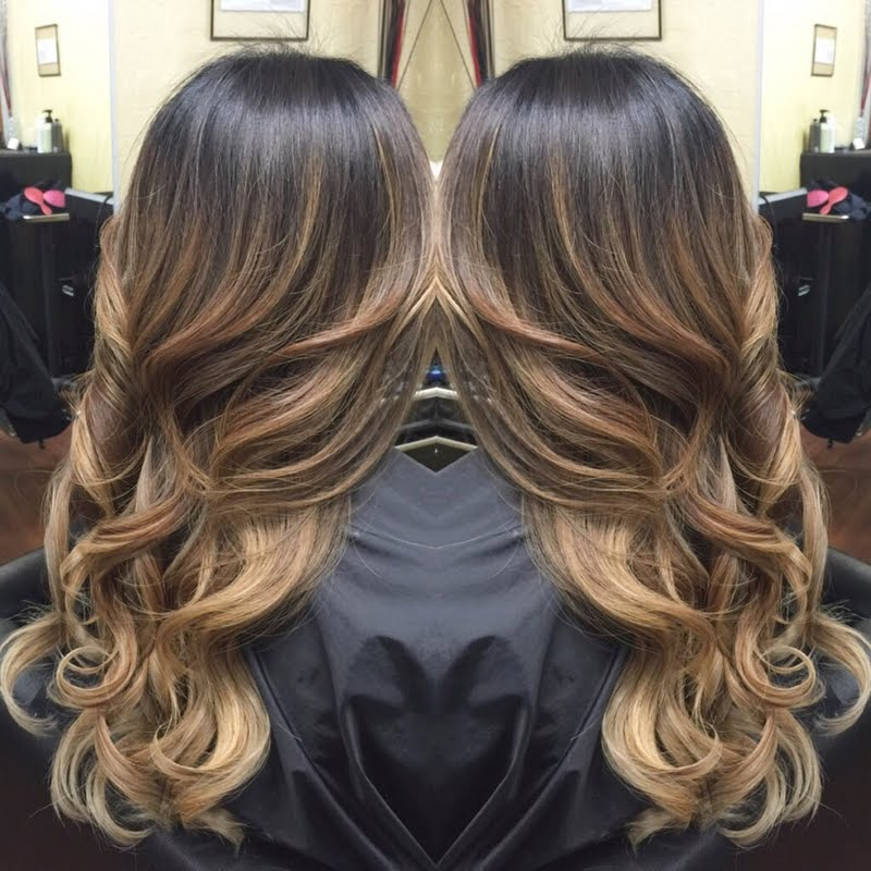 This Means That Your Hairstylist Dyes Freely Through Hair The Results Are Natural Looking Highlights And Dimension