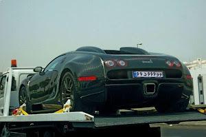 عكسي از ماشين 4.5 میلیاردی, آقازاده ای در خیابان های تهران