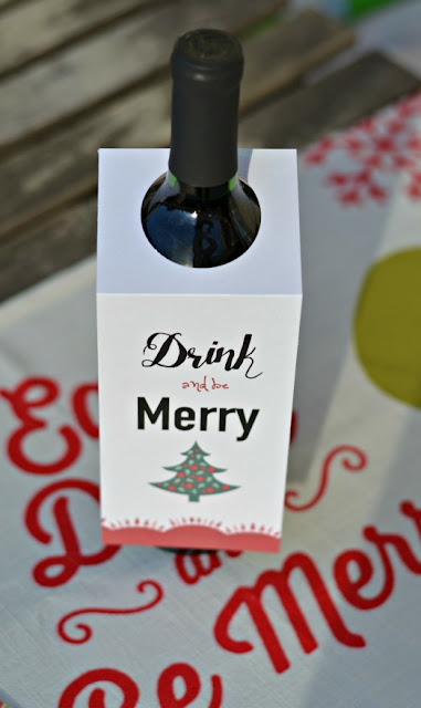 Merry free wine bottle tag